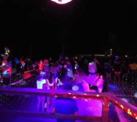 Glow-Stick-Dance-Parties-2