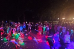 Glow-Stick-Dance-Parties-6